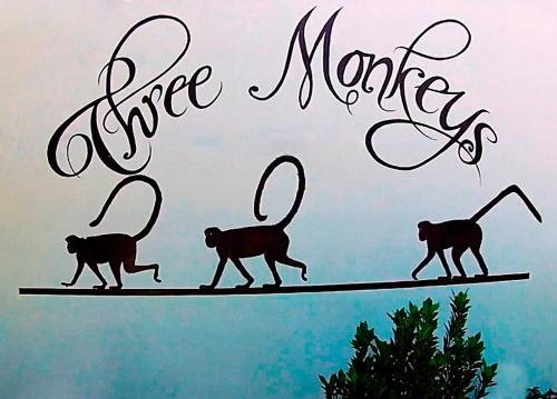 Hotel Three Monkeys Photo
