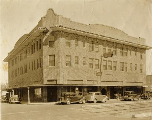Edgewater Hotel A Historic B&b - Winter Garden, FL 34787