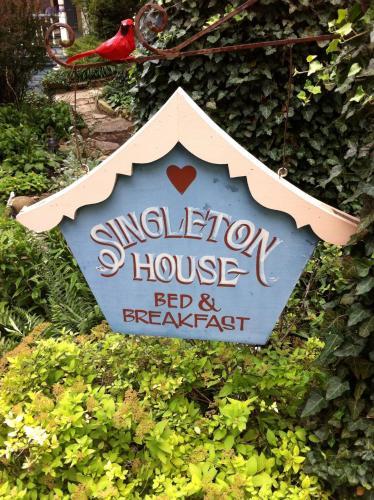 11 Singleton House B&b - Eureka Springs, AR 72632