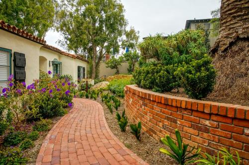 800 Alvarado Place, Santa Barbara, 93103, California.