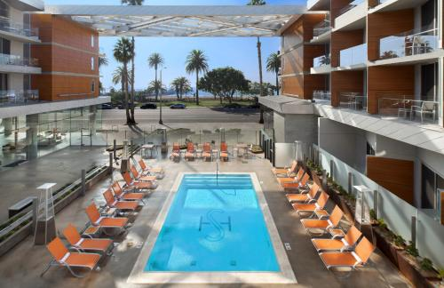 Shore Hotel Photo