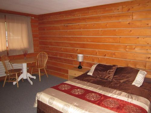 Spirit Lake Lodge Photo