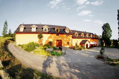 Hotel Horní Dvůr