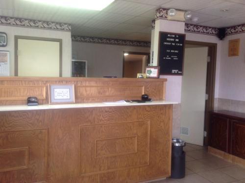 HighWay Inn Photo