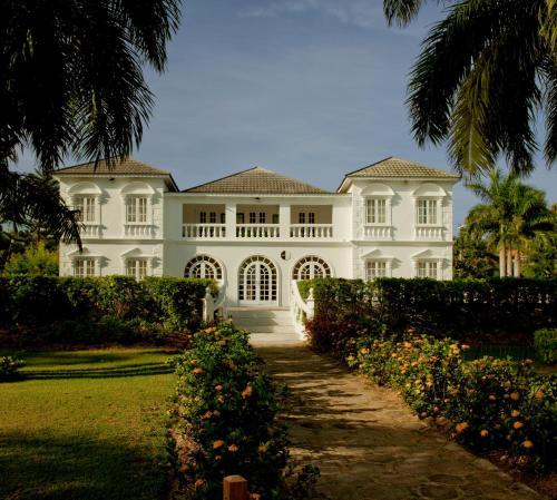 Beach House Hotel Half Moon Bay: Half Moon Hotel Review, Montego Bay, Jamaica