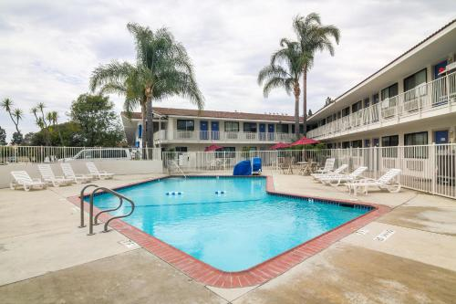 Motel 6 Camarillo Photo