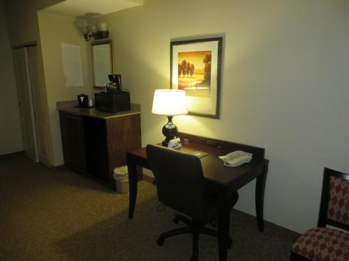 Country Inn & Suites by Radisson, Meridian, MS Photo