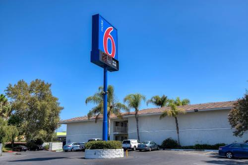 Motel 6 Los Angeles - Rowland Heights Photo