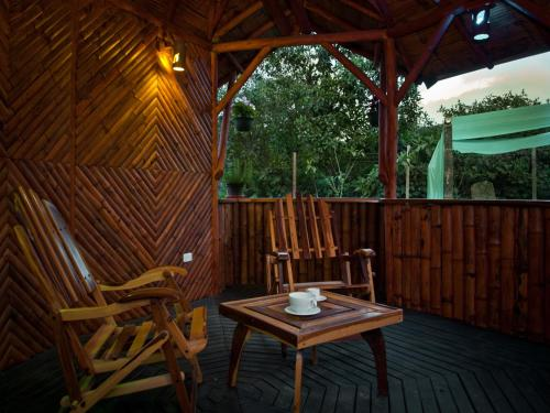 Sisakuna Lodge Photo