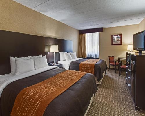 Comfort Inn & Suites Fall River Photo