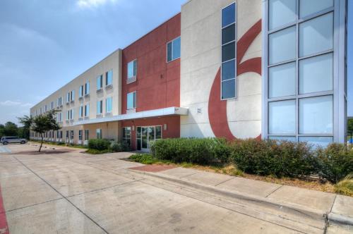 Motel 6 Fort Worth Northlake Speedway Photo