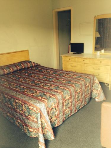 White Rose Motel - Niagara Falls, ON L2G 3X6