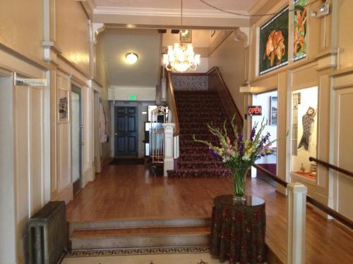 Hotel Arcata Photo