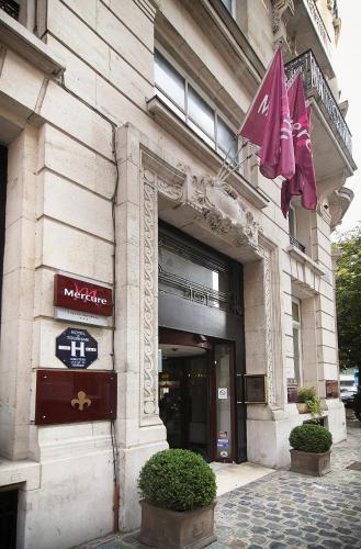2 Boulevard Carnot, 59800 Lille, France.