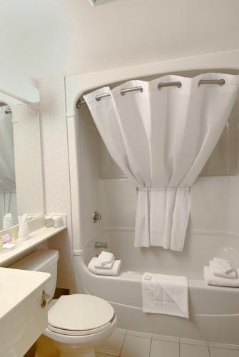 Quality Hotel Regina - Regina, SK S4P 0P9