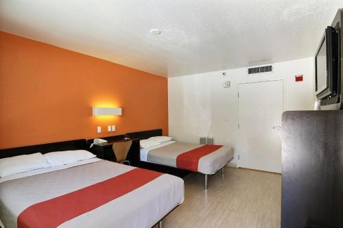 Motel 6 Santa Barbara - Carpinteria South - Carpinteria, CA