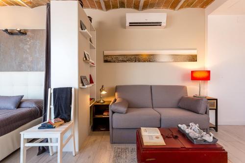 Urban District Apartments-Vintage Suites & Loft photo 6