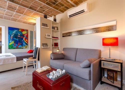Urban District Apartments-Vintage Suites & Loft photo 10