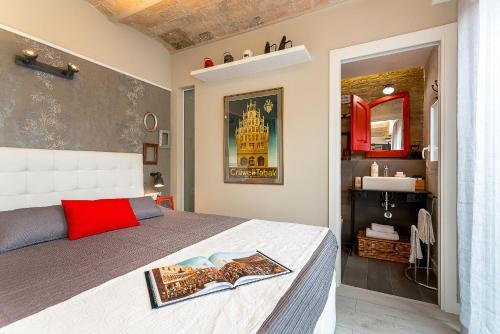 Urban District Apartments-Vintage Suites & Loft photo 12