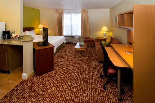 TownePlace Suites Saint Louis Fenton Photo