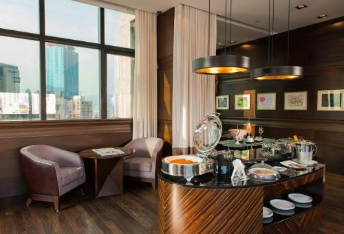 Empire Hotel Causeway Bay photo 6