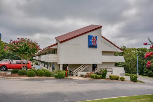 Motel 6 Birmingham Al - Birmingham, AL 35209