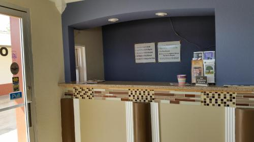 Travel Inn Snyder - Snyder, TX 79549