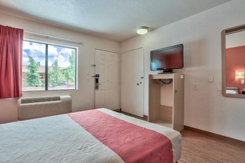 Motel 6 Flagstaff West - Woodland Village - Flagstaff, AZ 86001