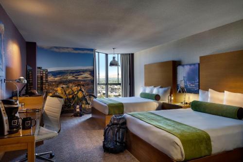Whitney Peak Hotel Photo