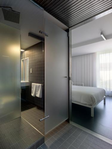 Double or Twin Room Moure Hotel 8