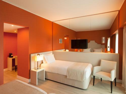Lutecia Smart Design Hotel photo 39