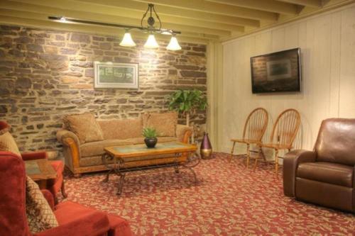 Pine Barn Inn - Danville, PA 17821