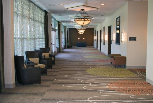 DoubleTree by Hilton Norfolk Airport Photo