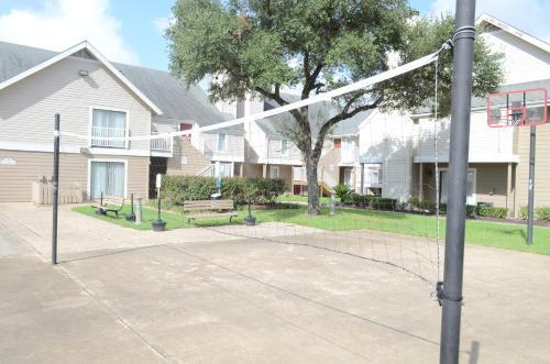 Moody Manor - Houston, TX 77030