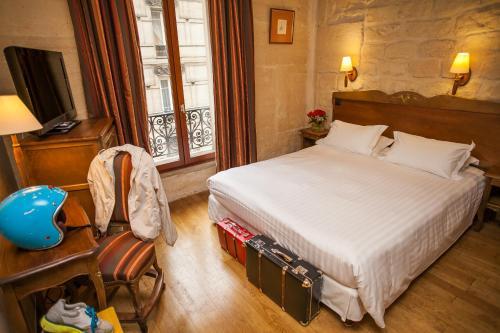 Europe Saint Severin-Paris Notre Dame photo 16