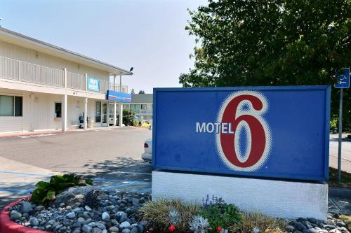 Motel 6 Tacoma South - Tacoma, WA 98408