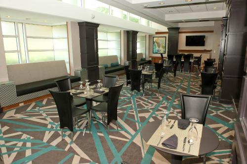 Radisson Hotel Atlanta-marietta - Marietta, GA 30067