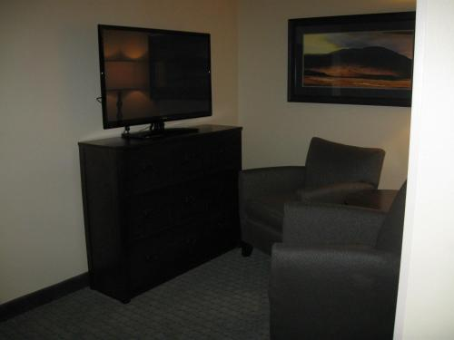 Little Missouri Inn & Suites New Town - New Town, ND 58763