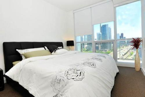HydeWest - Luxury Panoramic Photo