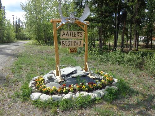 Antler's Rest Bed And Breakfast - Glennallen, AK 99588