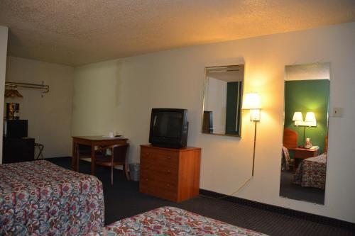 Stay Express Inn Near Ft. Sam Houston - San Antonio, TX 78209