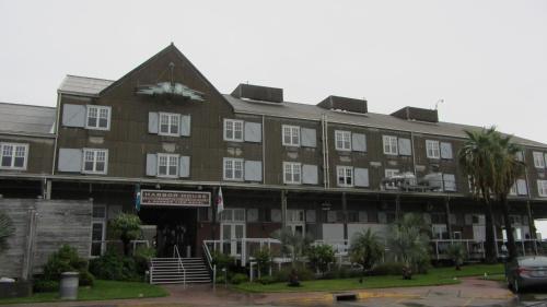 Harbor House Hotel and Marina Photo