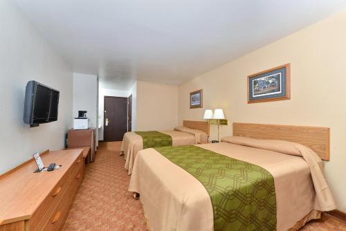 Rodeway Inn & Suites Wisconsin Madison-Northeast Photo
