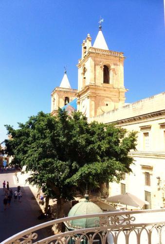 Merchant Street 21, VLT1010 Valletta, Malta.