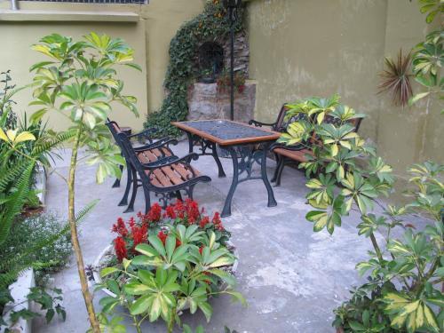 Hotel Cayman Photo