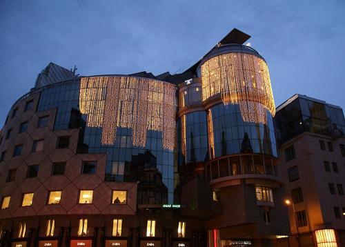 Stephansplatz 12, Haas Haus, 1010 Vienna, Austria.