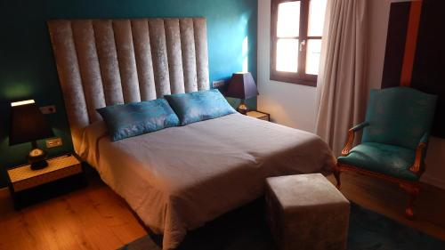 Comfort Double or Twin Room Palau dels Osset 31