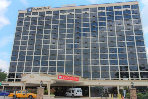 Ramada Plaza Atlanta Capitol Park Photo