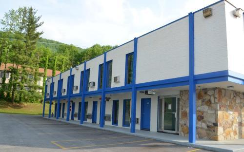 Economy Inn Bluefield Photo