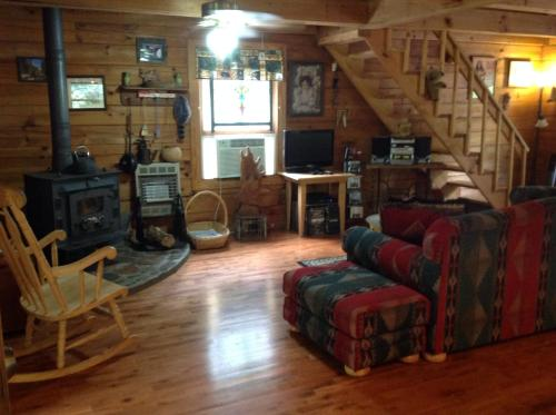 Little Big Bear Cabin - Clarkesville, GA 30523